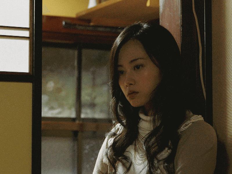 岩井堂聖子の横顔画像